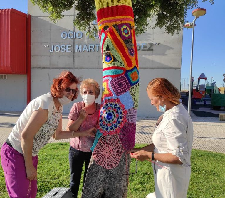 Alta participación en el taller de crochet